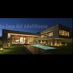 La Casa del Adulthouse